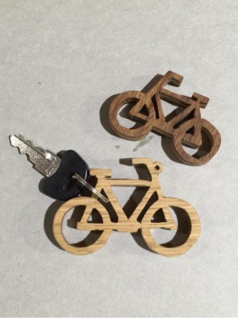 自転車の木製キーホルダー